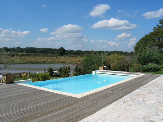 Piscine d bordement for Sonde pour piscine a debordement