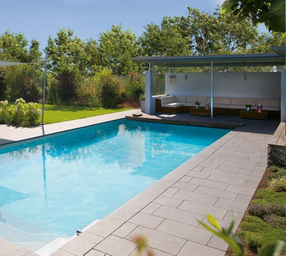 Pool house piscine euro piscine services for Construction pool house piscine