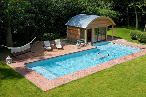 Pool house piscine euro piscine services for Piscine exterieure bois