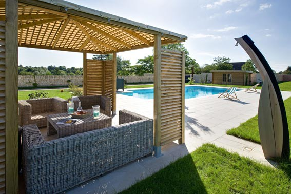 Pool house piscine euro piscine services - Pool house toit plat ...