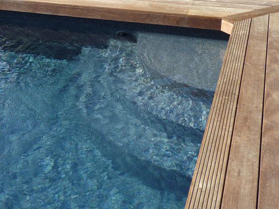 Escaliers piscine escalier sous liner et escalier for Installateur de piscine
