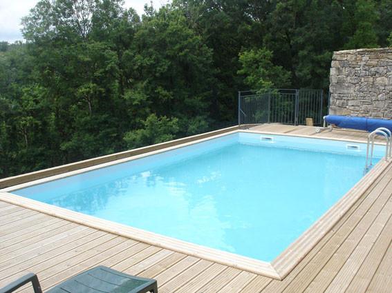 Piscine hors sol piscine en bois euro piscine services for Piscine d angle hors sol