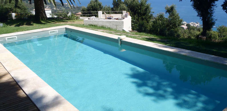 Piscine int rieure enterr e d bordement en acier fdi for Piscine semi enterree 10m2