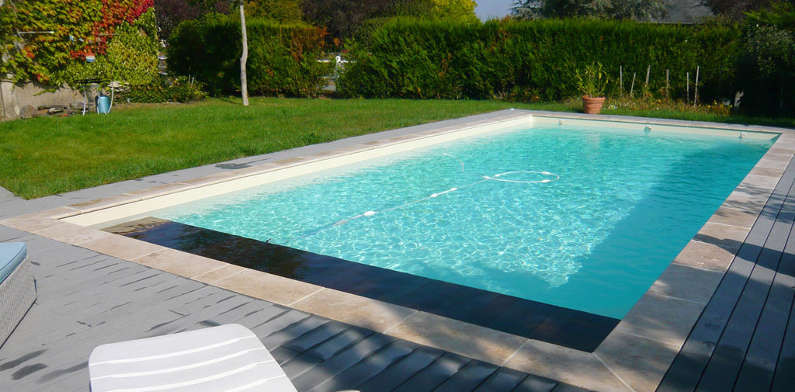 Piscine enterr e euro piscine services for Video x piscine