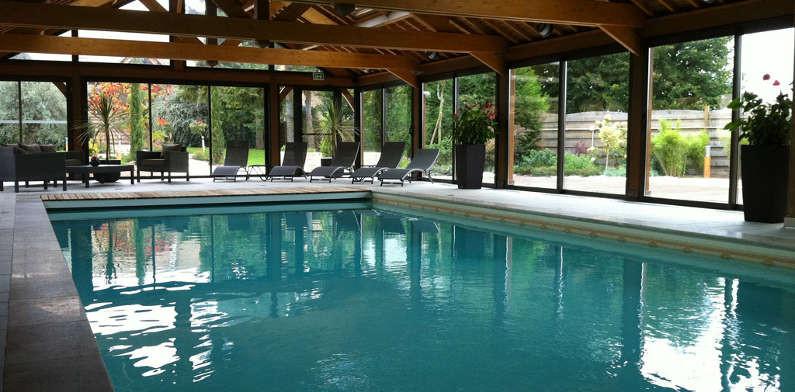 Piscine int rieure construction de piscines euro for Construction piscine 83